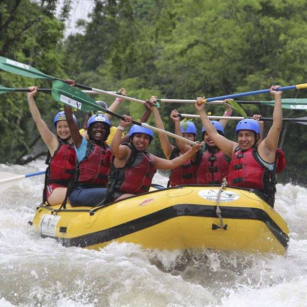 Rafting in Arenal By Maquique Adventure